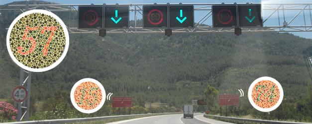 Renk körü sürücü trafikte
